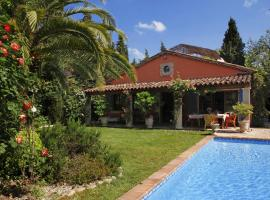 Maison Nounette, hotel near Royal Mougins Golf Club, Mougins