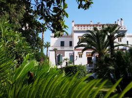 Villa Belle Rive, hotel with pools in Cannes