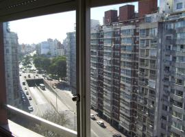 Apartamento en corazón de Montevideo, hotel com jacuzzi em Montevidéu