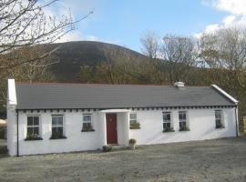 Mia's Self Catering Holiday Cottage, hotel near Fanad Head Lighthouse, Claggan