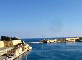 Luciano Valletta Studio - Self Catering, apartment in Valletta