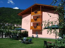 Residence Arnica Lago, apartment in Molveno