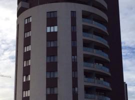 Cosmo Plaza Home, מלון ליד Plaza Romania Mall, בוקרשט
