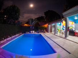 Icaraí Bed & Breakfast, hotel with pools in Niterói