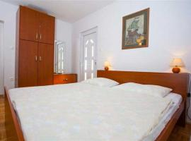 Family Apartments Marita, hotel in Makarska