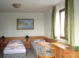 Pension zum Schwanenteich, Hotel in Haldensleben