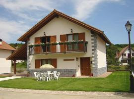 Casa Rural Irugoienea, casa rural en Espinal-Auzperri