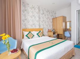 Camila Hotel, hotel in Tan Binh, Ho Chi Minh City