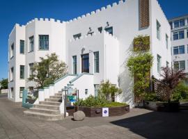 Castle House Luxury Apartments, apartment in Reykjavík