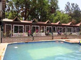 Hotel Rahil Plaza, hotel with pools in Panchgani