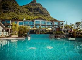 Yangshuo Moonlit Sky Resort, hotel in Yangshuo