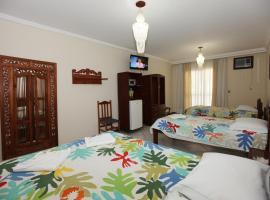 Hotel Kima, hotel near Bombinhas Panoramic View Park, Bombinhas
