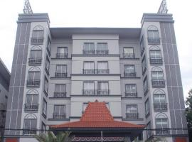 Grand Serela Yogyakarta by KAGUM Hotels, hotel with parking in Yogyakarta