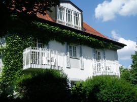 Villa am Schlosspark, hotel near Nymphenburg Palace, Munich
