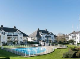 Apartment Cap d' Ail, hotel with pools in Middelkerke
