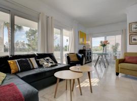Sunny Golf Apartment, hotel dicht bij: Golfbaan Estepona Golf, Estepona