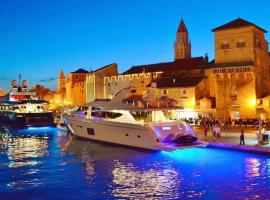 Apartments Silvana, self catering accommodation in Trogir