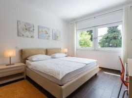 Apartments Villa Alba, hotel near Lapad Bay, Dubrovnik