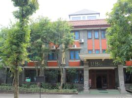 UB Guest House, hotel in Malang