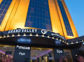 Grand Valley Hotel, hotel em Najran
