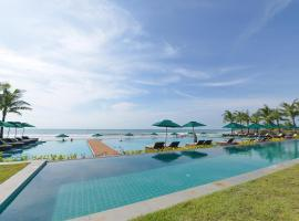 Ngwe Saung Yacht Club & Resort, resort in Ngwesaung