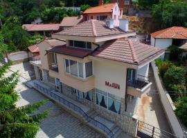 Family Hotel Mania, hotel in Kalofer