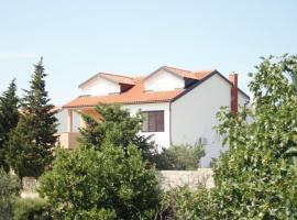 Apartments Rebac, hotel near ACI Marina Betina, Murter