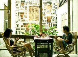 Mingle Petaling Street - Free Communal Dinner & Drink Activity starts from 7pm everyday, hostel in Kuala Lumpur