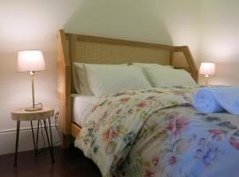 Chateau Flores, pet-friendly hotel in Porto
