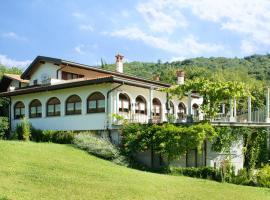 Turistična kmetija Štanfel, farm stay in Podsabotin