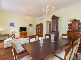Luxury Seafront Apartment Banje, hotel 5 estrellas en Dubrovnik