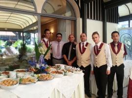 Hotel Vienna Ostenda e Ristorante il Danubio, отель в Римини