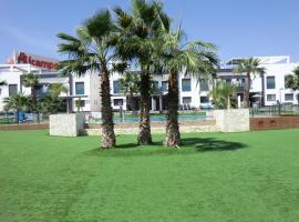 Casas Holiday - Oasis Beach, hotel in Playas de Orihuela
