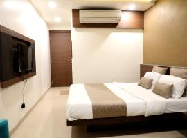 Hotel Adarsh Palace, hotel near Raja Bhoj Domestic Airport - BHO, Bhopal