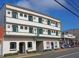 Hotel Bavarium, hotel in Joinville