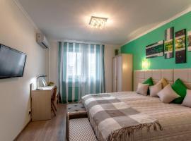 Apartments on Akademika Anokhina 5-1, hotel near Yugo-Zapadnaya Metro Station, Moscow