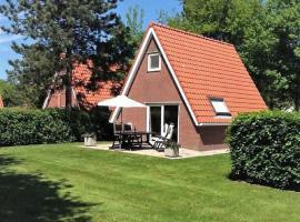 Vakantiehuis Langweer Friesland, hotel near St. Nicolaasga Golf, Langweer