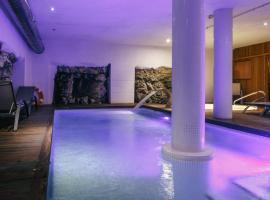 Hotel Spa Vilamont, hotel a prop de Camp de golf Peralada, a Garriguella