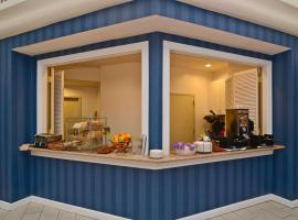 Best Western Plus All Suites Inn, hotel in Santa Cruz