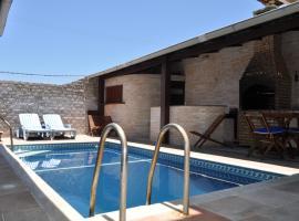 Pousada Casa do Telhado Verde, hotel near Dogs House, Cabo Frio