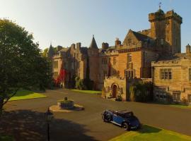 Glenapp Castle, hotel in Ballantrae