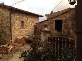 Agriturismo B&B Luna di Quarazzana special place to stay in Fivizzano Tuscany near Cinque Terre, hotel a Fivizzano