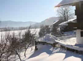 Gästehaus Herbstbauernhof, farm stay in Siegsdorf