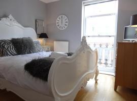 Burlington Beach Apartments, apartment in Brighton & Hove