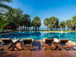 Ravindra Beach Resort & Spa, hotel in Na Jomtien