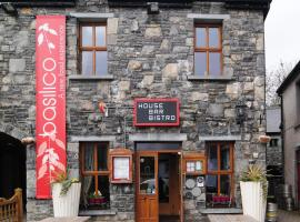 The Coach House Hotel, hotel near Galway Bay, Oranmore