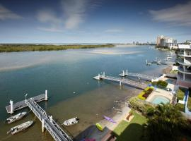 On The River Apartments, hotel near Sunshine Coast Maroochydore Airport - MCY,