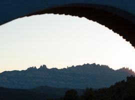 Masia CasaJoana Rural, hotel cerca de Sant Llorenç del Munt i l'Obac, Rellinars