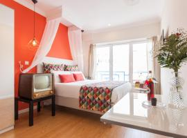 Dom Dinis Studios, self-catering accommodation in Lisbon