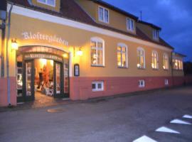Pension Klostergaarden Hotel, guest house in Allinge